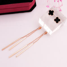 Fashionable Alloy Ladies' Fashion Earrings