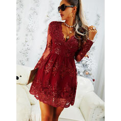 Lace/Solid Long Sleeves A-line Knee Length Party/Elegant Skater Dresses