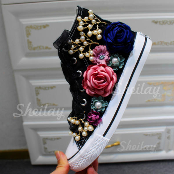 Women's Velvet Flat Heel Flats Closed Toe With Lace-up Flower shoes